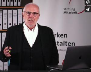 Screenshot: Professor Selle beim Vortrag